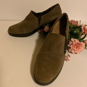 Clarks Artisan Suede Monarch Slip on Tan Loafers